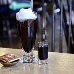 珈琲家比呂野 - ドリンク写真:アイスウインナーコーヒー