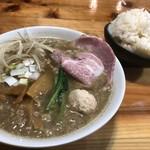 麺処 雀尊 - 料理写真:背脂煮干しラーメン