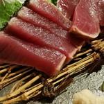 酒菜 田の神 - 初がつおの藁焼き