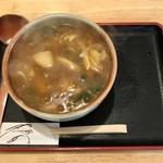 京都仕込みのかれーうどん 椿 - 鶏カレーうどん。