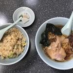 丸福 - 料理写真:半ラーメン350円&半チャーハン450円