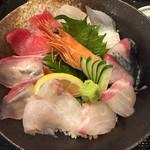 天晴水産 ぽっぽ家 - 海鮮丼