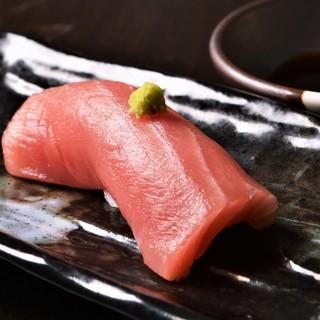 握り・押し寿司・軍艦...旬の鮮魚をお寿司でお楽しみください