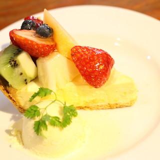 すべて手作りのケーキとお料理は絶品♪野菜にもこだわり有り!