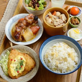 【TSUKUMO定食】フルカスタマイズ出来る定食メニュー
