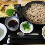 亮月 - 料理写真:お蕎麦と天ぷらのセット
