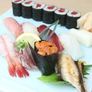 《ランチ》旬で、粋な、心を込めた江戸前鮨をコースにて味わう