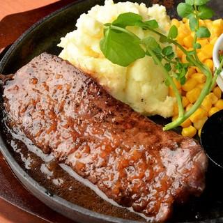 【鉄板ステーキ】お好きなトッピング&ソースで楽しむ♪