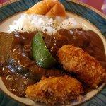 カレーハウスJIB - 料理写真:カキフライカレー、なすトッピング追加です