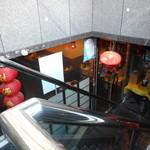 江南亭 - 吹き抜けの階段