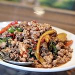 タァナムタイ - パッドグラパオムー(豚挽肉のバジル炒め)