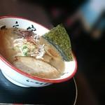 一文字 - チャッチャ系正油らーめん 810円