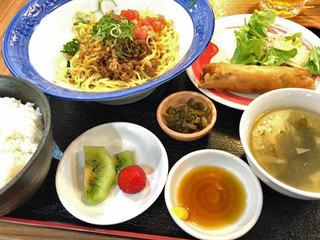中華ダイニングバル ぱんだ - 日替わりランチ(汁なし担々麺)