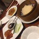中国飯店 - クラゲと北京ダッグ(^∇^)