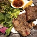 83323900 - 神戸牛ステーキの赤身と霜降り相盛り