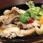 タイ料理 yummy bar - 「ヤミームヤン(タイ風サンギョプサル)」(500円)