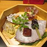 かま田 - 八寸。鯛のの白子ポン酢、タケノコ、得意の生麩田楽など。