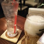 タイ居酒屋 藤田 - チャーンビールとココナツドリンク