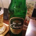 タイ居酒屋 藤田 - チャーンビールのボトル