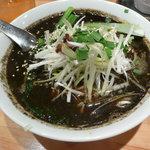 瀬佐味亭 - 黒ゴマネギ乗せ担担麺