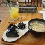 パニーノーニ - 料理写真:おむすびモーニング