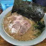 心一家 - 料理写真:とんこつ醤油ラーメン 大盛 ¥780