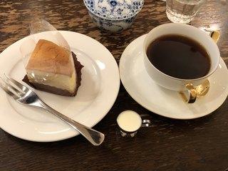 さかこし珈琲店 - ゴルゴンゾーラのチーズケーキのケーキセット@880円