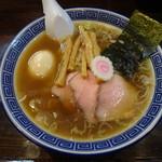 醤油ラーメン 柴 - 醤油ラーメン+味玉