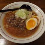 シマシマトム - 牛骨正油らーめん+半熟玉子