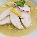 らぁ麺しろ - 料理写真:鶏白湯(トリパイタン)