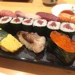 新宿栄寿司 - 百合握り