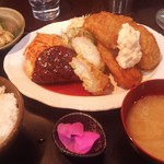 B級食堂 - 料理写真:B定食 ハンバーグとチキン南蛮・ちくわサラダ揚付き
