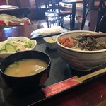 ハイラオ - 焼肉キムチ丼