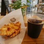 ミナトカフェ - 料理写真:がね、アイスコーヒー