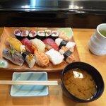 千種鮨 - ランチにぎり1.5人前1,050円
