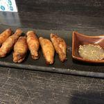 麺やBar 渦 - 鶏皮餃子3ケ 300円