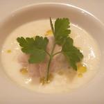リストランテ ヴォナ フォルトゥーナ - 軽い塩味を付けた栗のパンナコッタ ゴルゴンゾーラチーズ入りのスープ