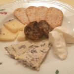 リストランテ ヴォナ フォルトゥーナ - イタリア産チーズの盛り合わせ