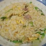 香港麺 新記 - 牛肉レタスチャーハン