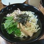 壱角家 - 料理写真:油そば