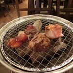 83376722 - お肉を焼きましょう