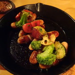 iq cafe&dining - ごろごろ野菜とハーブソーセージ(840円)