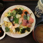 五郎太夫 - 料理写真:ちらし寿司。1,000円