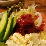 桜鍋 吉し多 - 桜肉のサラダアップ