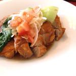 マチ キッチン うめじゃろ - 料理写真:フライドチキン生姜ソース(肉のメイン)