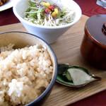 マチ キッチン うめじゃろ - 和食セット(玄米)