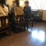 重吉 - 店内テーブル席