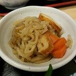 まんじ - 小鉢は切り干し大根の煮物