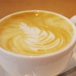 サニーサイド カフェ - 料理写真:寺崎コーヒーの専用豆を使ったカフェラテ