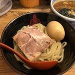 三田製麺所 - 半熟玉子チャーシューランチ 950円。